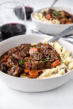 Instant Pot Beef Bourguignon recipe from RecipeGirl.com #instant #pot #instantpot #pressure #cooker #pressurecooker #beef #bourguignon #beefbourguignon #french #easy #recipe #RecipeGirl Instant Pot Beef Bourguignon Recipe, Chicken Gumbo, Classic French Dishes, Spaghetti Meat Sauce, Using A Pressure Cooker, Food For Thought, Easy Meals, Stuffed Peppers, Cooking