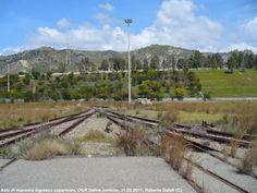 Restos de caminos http://www.ferrovieincalabria.com/2012/02/ogr-di-saline-joniche-10-anni-dopo.html