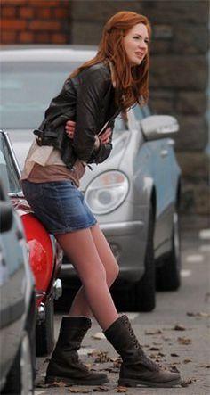 Karen Gillan. - I miss Amy Pond :(