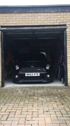 Shadow R56 JCW John Cooper Works, Mini Coopers, Minis, Wheels, Cars, Cutaway, Autos, Car, Automobile