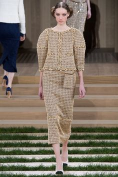 Sfilata Chanel Parigi - Alta Moda Primavera Estate 2016 - Vogue