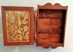 kulcstartó szekrényke