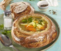 Egy finom Tojásos cukkinitekercs ebédre vagy vacsorára? Tojásos cukkinitekercs Receptek a Mindmegette.hu Recept gyűjteményében!
