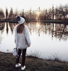Designer Clothes, Shoes & Bags for Women Two Ladies, Girl Fashion, Fashion Ideas, Like4like, Winter Hats, Men Sweater, Instagram Posts, Instagram Ideas, Moda Femenina