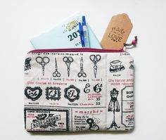 Pouches & Pencil Cases – Fully Lined Haberdashery Pencil Makeup Pouch – a unique product by gooseygoosey on DaWanda Makeup Pouch, Desk Storage, Pencil Cases, Haberdashery, Courses, Unique, Pretty, Handmade, Bags