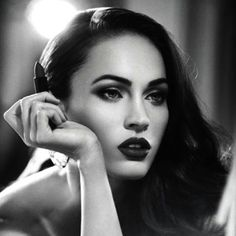 Hey foxy lady  #MeganFox #browconic #perfectbrows #instamakeup #glamour #fashion #beauty #browlab #style #diva #makeup #lipstick #lashes #eyebrows