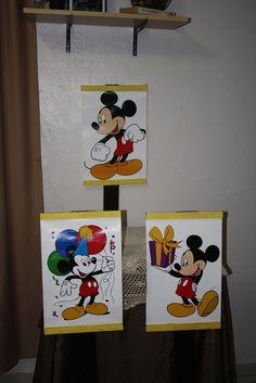 Carteles de decoraciones.