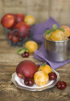 Nectarines, Plums and Cherries   Can Colette - Zaida Martin
