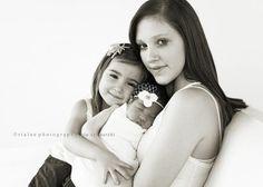 sibling and newborn photo shoot ideas | newborn with older sibling and mama | Newborn family photo shoot ideas