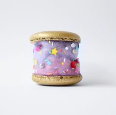 Unicorn Poop Macaroon by fluffe on Instagram | poppytalk