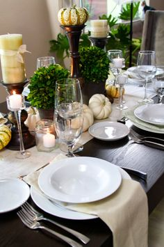 Setting the Thanksgiving Table - would love to do this but we have too many people!!!