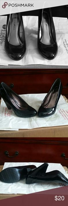 Women Black Pumps Shoes Black Patented  Fashion Bug Shoes size  7m. Worn once to an indoor function. Excellent condition like new with little to signs of wear on the bottom, very sexy for dressing up or for casual wear. Fashion Bug Shoes Heels
