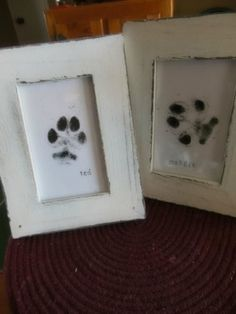 Paw print art of my fur-kids. Super easy and quick, took about 10 minutes! Regular stamp ink washes right off! Paw Print Art, Paw Prints, My Bebe, Dog Crafts, Animal Projects, Crafty Craft, Crafting, Dog Paws, Puppy Love