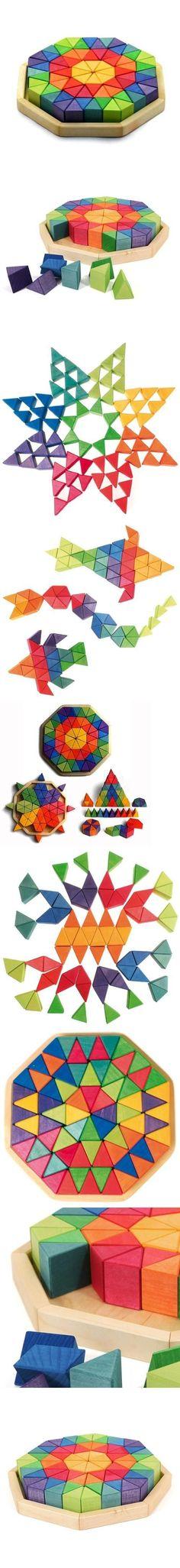 Acción: super poner Forma: triangular, con volumen, distintos colores Tamaño: chico, formar construcciones horizontales y verticales estabilidad del lado plano, sin equivalencias , simetría Material: madera dura