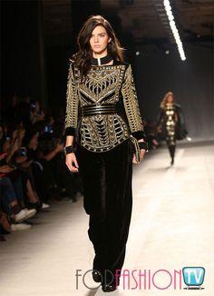 Kendall Jenner models see-through cut-out top at Balmain X H&M launch H&m Fashion, Fashion Details, Runway Fashion, Fashion Models, Fashion Show, Autumn Fashion, Fashion Outfits, Fashion Tips, Fashion Design
