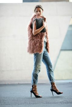 LE FASHION BLOG DUSTY ROSE MONGOLIAN FUR ROSE -outfit