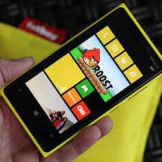 Hands On With the Nokia Lumia 920 and Lumia 820