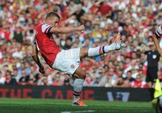 #Podolski's free kick - #Arsenal 6 - 1 Southampton