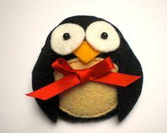 Felt Penguin Brooch, Felt Penguin, Penguin Brooch, Felt Brooch, Animal Brooch, Felt Pin