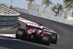 フェラーリ、2017年仕様の幅広リアウイングをテスト  [F1 / Formula 1]