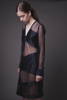 dress navy blue , fashoin, silk , geometric  Atelier  Gabriela Hezner  designer  fot. Kamila Limanowicz  ECManagement