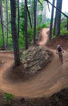 Hood River Mountain Bike Adventures, Mountain Bike Guide and Photographer, Bike Tour Hood River Oregon