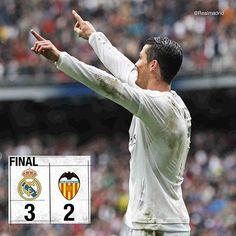 Real Madrid 3-2 Valencia ⚽ 26' @cristiano ⚽ 42' @karimbenzema ⚽ 55' Rodrigo ⚽ 59' @cristiano ⚽ 81' André Gomes #RMLiga #HalaMadrid