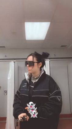 She is so cute 🥰 Billie Eilish, Me As A Girlfriend, Music Artists, My Girl, Beautiful People, Celebs, Female, My Love, Queens
