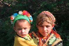 Mysterious Kalash people in Pakistan - Beauty will save Precious Children, Beautiful Children, Beautiful Women, Kalash People, Tribal Women, Alexander The Great, Stories For Kids, Fair Skin, Indian Girls