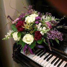 #greentime #florist #флористикаидекор #цветочныйсалон #букетвподарок #флористмосква #цветывмоскве #летнийбукет #монархцентр