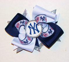 Yankees inspired Hair bow. $9.00, via Etsy.