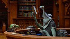 En Monstruos University també tenen bibliotecària #biblioteques_UVEG