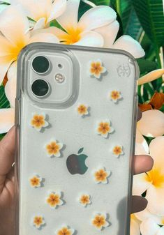 🌺Funda con flores🌺 Girly Phone Cases, Pretty Iphone Cases, Diy Phone Case, Iphone Phone Cases, Iphone Case Covers, Homemade Phone Cases, Laptop Cases, Capas Iphone 6, Phone Cases