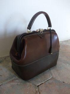 French Vintage Handbag. €29,99, via Etsy.