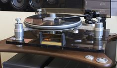 audio hi end - ORACLE DELPHI TURNTABLE