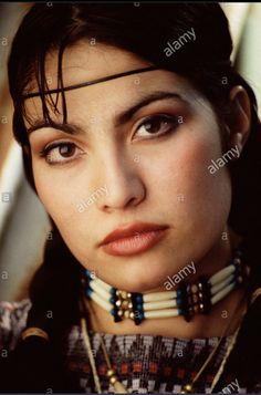 American Indian Girl, Native American Girls, Native American Symbols, Native American Beauty, Native American History, American Art, Celebrity Travel, Native Indian, Most Beautiful Women