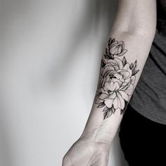 Blackwork florals yess!!!
