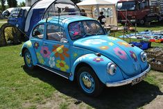 Flower Power VW beetle