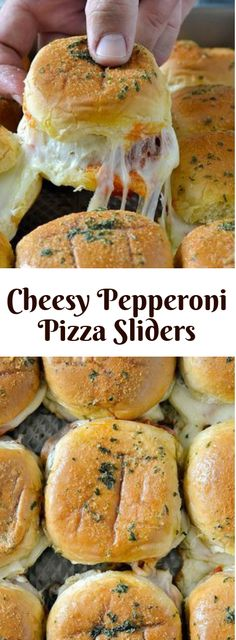 Pepperoni Pizza Sliders With Cheese. Quick Pepperoni Pizza Sliders With Cheese coated with very tasty garlic butter. Recipes for Dinner Easy, for the family. Slider Sandwiches, Sandwich Bar, Sandwich Recipes, Sandwich Ideas, Pizza Recipes, Sandwich Spread, Bread Recipes, Pepperoni Recipes, Sandwiches For Dinner