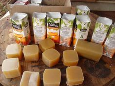 Natural Cleaning Recipes, Natural Cleaning Products, Homemade Soap Recipes, Home Made Soap, Handmade Soaps, Diy Soaps, Soap Making, Bath And Body, Food And Drink