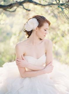 Sheer Flower Bridal Hairpiece | photography by http://www.carolinetran.net/
