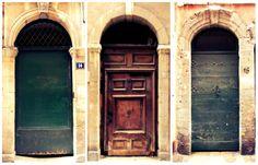 Amazing doors in Viex Lyon.  Lyon- get lost with me!  More on: www.kokopelia.pl  #onlylyon #lyon #france  #french #architecture #travelblog #blog #blogger #kokopelia #erasmusn #vieuxlyon