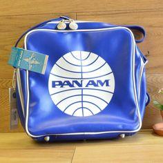 Amazon.co.jp: パンナム イノベーター ショルダーバッグ ダークブルー Pan Am Innovator Dark Blue: 服&ファッション小物