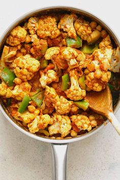 Warming and easy to make this vibrant Cauliflower and Chickpea Curry is packed with flavour. Perfect for a tasty weeknight dinner. Cauliflower And Chickpea Curry, Cauliflower Recipes, Healthy Meats, Healthy Food, Chickpea Recipes, Healthy Recipes, Indian Food Recipes, Asian Recipes, Vegetarian Curry