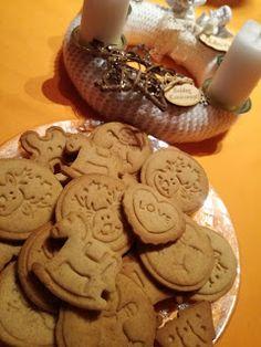 Süss, alkoss...!: Nyomdázható mézes kekszek Cookie Jars, Easter Eggs, Biscuits, Clean Eating, Food And Drink, Sweets, Healthy Recipes, Homemade, Cookies