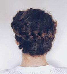 20 Halo Braid Ideas to Try in 2019 - pinchange Twist Braid Hairstyles, Twist Braids, Short Bob Hairstyles, Heatless Hairstyles, Haircuts, Halo Braid, Top Braid, Dutch Braid Crown, Milkmaid Braid