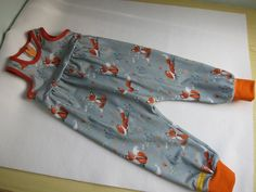 Ecological baby rompers in forest foxes, in grey and orange size 80, 12 mo Creative Gifts, Creative Ideas, Fox Design, Romper Pants, Easy Wear, Ecology, Baby Rompers, New Baby Products, Best Gifts