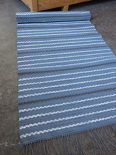 Weaving Art, Hand Weaving, Rag Rugs, Dobby, Woven Rug, Carpets, Make Your Own, Weave, Recycling