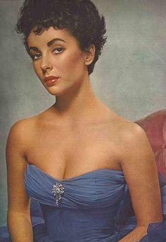 Elizabeth Taylor in Blue. Face | Look | Gown www.carolrichelle.com