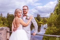 #häät #hääkuvaus #vihkiminen #hääpotretti #weddings #weddingphotography #weddingphotoideas #weddingportrait #weddingportraiture #hääkuvaajakemi #hääkuvaajatornio #hääkuvaajaoulu #hääkuvaajarovaniemi #hääkuvausmerilappi #häävalokuvaaja #valokuvaajakemi #valokuvaajatornio #valokuvaajakeminmaa #valokuvaajaoulu #valokuvaajarovaniemi #dokumentaarinenhääkuvaus Girls Dresses, Flower Girl Dresses, Wedding Dresses, Flowers, Fashion, Dresses Of Girls, Bride Dresses, Moda, Bridal Gowns